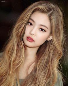 Blackpink 4 ways Blackpink Jennie, Mode Kpop, Black Pink Kpop, Blackpink Photos, Blackpink Fashion, Kpop Girls, Asian Beauty, Blonde Hair, Rose Blonde