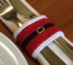 Christmas crochet pattern Christmas napkin ring by Handmadeisfun #CrochetChristmas