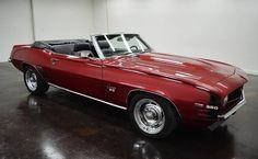 1969 Chevrolet Camaro Convertible: de transmission automatique turbo 350 avec 2 portes et de couleur rouge à l´ Intérieur et noir à l´ extérieure, de 6561 miles et d´un moteur V8 Chevy 350 avec des roues de 16 pouces; Vin utilisé: 124679N511342 et les numéros ne sont pas assortis.  Ce vehicule est disponible à la vente, contactez nous sur: www.misterdeals.com / ou appelez-nous sur: 08-05-08-02-81 si ce vehicule vous interesse.   Nos prix sont: 30,499 euros