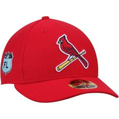 e5da43a35b8ef Gear up for another unforgettable St. Louis Cardinals season by wearing  this 2017 Spring Training Diamond Era Fitted Hat from New Era.