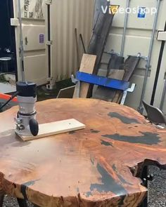 Heres the time lapse on the lazy susan we sunk into this table top using our homemade jig Woodworking Techniques, Woodworking Projects Diy, Woodworking Wood, Small Wooden Projects, Wood Projects, Log Furniture, Custom Furniture, Workbench Plans Diy, Diy Holz