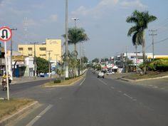 09. Avenida Marechal Rondon. Nota: esta sim é avenida mais famosa do 1º Distrito. Estima-se que tem extensão de oito quilômetros e nasce no centro da cidade às margens do Rio Machado e termina na confluência da Avenida Transcontinental ou BR 364, na altura do Km 3 indo para Porto Velho.