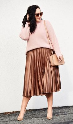 5cc77b51f1d20 Fashion Clothing For Pregnant Women · See the blogger outfits that are  already ahead of the game this year, and shop