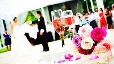 いま、ホテルなど結婚式の会場やIT企業の間で、斬新な演出に取り組む動きが拡が...