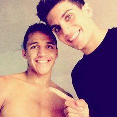Alexis Sanchez Marc Bartra FC Barcelona I love both! Marc Bartra, Sergi Roberto, Attractive Guys, Celebs, Celebrities, Fc Barcelona, Neymar, Football Players, Mens Fitness