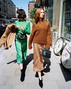 Back in Town: 5 Pre-Fall Looks From & Other Stories (Fashion Gone Rogue) Fashion 2018, Star Fashion, Look Fashion, Fashion Brands, Autumn Fashion, Fashion Websites, Fashion Styles, Fashion Designers, Fashion Women