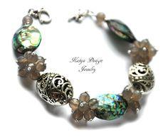 Bracelet gray agategreen shell pauadelicate hollow by katenadesign, $50.00