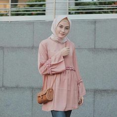 Hijab Outfit, Hijab Fashion, Ootd, Blouse, Outfits, Suits, Blouses, Hijab Tutorial, Woman Shirt