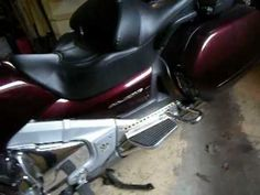 Changing the headlamp on the Goldwing GL1800