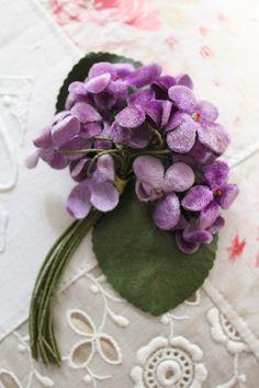 """""""United Kingdom antique velvet violet corsage"""