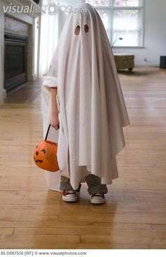 """Zachary wants to be a ghost for halloween. because, """"ghosts are a halloween thing, right?"""" *sigh* why can't he just be something he likes and not something logical? Toddler Ghost Costume, Ghost Halloween Costume, Halloween Costumes Kids Boys, Diy Halloween Costumes For Kids, Diy Costumes, Ghost Costumes, Ghost Costume Sheet, Sheet Ghost, Devil Costume"""
