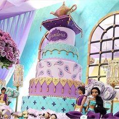 Bolo lindo para o Tema Princesa Jasmine by @sonhomeuchocolates ! Decor @candicefragoso  #loucaporfesta  #loucaporfestas  #loucasporfestas  #festainfantil  #kidsparty  #kidsdecor  #aladim  #aniversárioinfantil  #partyinspiration  #partyideas #princesajasmine #disney #princess