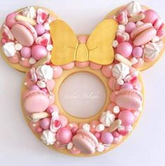 Cake amazing disney mickey mouse ideas for 2019 Fancy Cakes, Cute Cakes, Pretty Cakes, Beautiful Cakes, Amazing Cakes, Bolo Minnie, Minnie Mouse Cake, Mickey Mouse, Disney Mickey