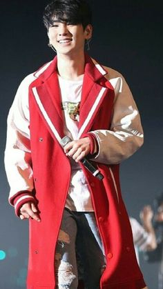 SHINee Key - i must have that jacket!!