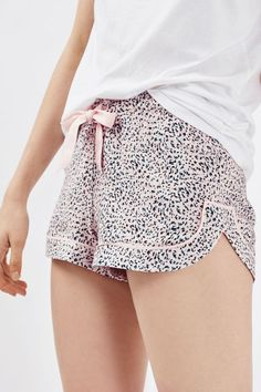 Look to comfort and cute styles when choosing your sleepwear. These soft woven pyjama shorts with all over coloured leopard print pattern and contrast pink tie. Cute Sleepwear, Cotton Sleepwear, Lingerie Sleepwear, Nightwear, Classy Outfits, Cool Outfits, Fashion Outfits, Pijamas Women, Pajama Pattern