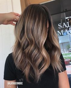 Coffee and Caramel Balayage Hair… . Mama Hair Color – color Informations About Kaffee und Karamell Balayage Hair …. Mama Haarfarbe – Cheveux et coiffures … Brown Hair Balayage, Brown Blonde Hair, Hair Color Balayage, Balayage Caramel, Caramel Ombre, Balayage Hairstyle, Beige Blonde, Bayalage, Blonde Ombre