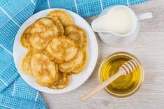 Recipe for Tiganites – Greek Style Pancakes - Mediterranean Diet Recipes Greek Sweets, Greek Desserts, Greek Recipes, Snack Recipes, Dessert Recipes, Cooking Recipes, Breakfast Recipes, Breakfast Ideas, Vegan Recipes