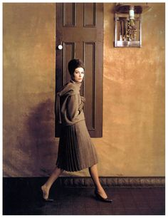 Melvin Sokolsky, Simone D'Aillencourt, Harper's Bazaar, 1961