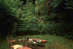 #déjeuner #jardin #escaliers #verdure #campagne #parisienne