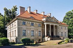 Lewków- Pałac Lipskich Villas, Castle House, Kuta, Country Estate, Abandoned Mansions, Places To Visit, Europe, House Styles, Building