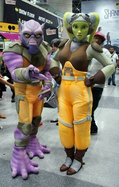 Great Hera and Zeb from Rebels cosplay Star Wars Costumes, Mascot Costumes, Cool Costumes, Cosplay Costumes, Costume Ideas, Cosplay Armor, Epic Cosplay, Awesome Cosplay, Star Wars Rpg