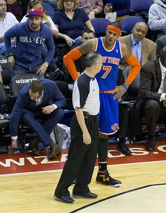 New York Knicks Carmelo Anthony speaking with a ref in March 2013.