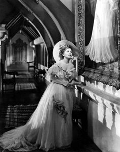 Rebecca - Joan Fontaine, a costume of a costume of a costume of a painting!