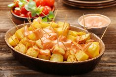 Caldo Gallego is a traditional Spanish soup dish from Galicia, which is in the northern region of Spain. Spanish Soup, Spanish Dishes, Spanish Recipes, Patatas Bravas Sauce, Caldo Gallego Recipe, Tapas Recipes, Healthy Recipes, Diet Recipes, Vegetarian Tapas