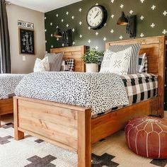 Start your morning off right! With Beddy's we make it easy. 📷: @ericamuellerhome #beddys #zipyourbed #zipperbeading #adultbedding #fashionablebedding #bedding #beddings #stylish #homedecor #homeinspo #homedecoration #bedroomdesign #bedroomgoals Diy Sponges, Zipper Bedding, Fresh Farmhouse, Barn Living, Huge Sale, Girls Bedroom, Boy Bedrooms, Shared Bedrooms, Bedroom Ideas