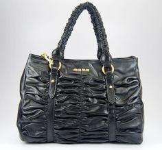 miumiu バッグ 修理 添削 miumiu モデル 兎 miumiu 財布 リボン 別れる ミュウミュウ財布 まま親 miumiu ブランド 返還 ミュウミュウ 直営店
