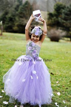Lavanda gris flor Tutu Vestido de niña por OnceUponATimeTuTus