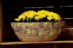 Keramika u Lavender Ceramic Lantern, Ceramic Pots, Terracotta Pots, Slab Ceramics, Hand Painted Ceramics, Slab Pottery, Ceramic Pottery, Pottery Handbuilding, Decorated Flower Pots