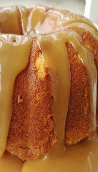 Cinnamon Apple Bundt Cake - With sweet cinnamon swirls and grated tart apples, this delicious apple cake is a perfect dessert for fall. Food Cakes, Cupcake Cakes, Cupcakes, Bolo Ferrero Rocher, Carmel Cake, Just Desserts, Dessert Recipes, Bunt Cakes, Pound Cake Recipes