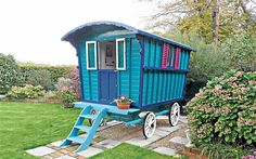 Gipsy caravans-would be great to have this in my yard!