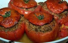 "À Table with Rona & Gérard Boyer: Recipe: ""Tomates Farcies"" (Stuffed Tomatoes) Dutch Recipes, Great Recipes, Cooking Recipes, Soft Cookie Recipe, Easy Cookie Recipes, Healthy Meals To Cook, Healthy Recipes, Ground Beef Chili, Classic French Dishes"