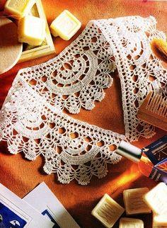 Knitted crochet collar