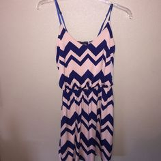 Short chevron dress, navy and light pink Navy and light pink chevron dress Rue 21 Dresses Mini