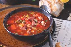 'Plážový' burek se sýrem | Apetitonline.cz Chili, Salsa, Ethnic Recipes, Soups, Food, Chile, Essen, Soup, Salsa Music