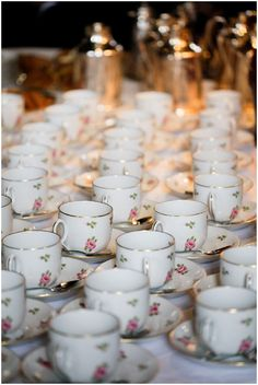 vintage teacups for wedding crockery © Iconoclash Photography