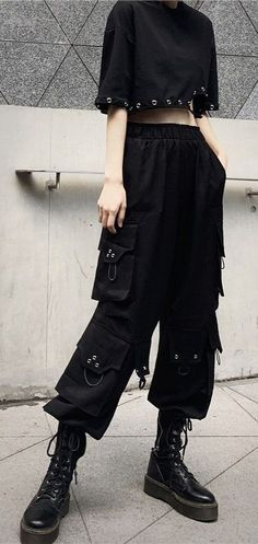 Edgy Outfits, Grunge Outfits, Cute Casual Outfits, Fashion Outfits, Baggy Cargo Pants, Cargo Pants Outfit, Looks Hip Hop, Baggy Clothes, Goth Clothes