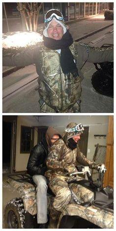 Chipper rescues Freddie Freeman in Atlanta snowstorm! Now that deserves a Freddie hug! Braves Game, Braves Baseball, Baseball Players, Baseball Stuff, Atlanta Braves Baby, John Fogerty, Tennessee Girls, Chipper Jones, 3 Strikes