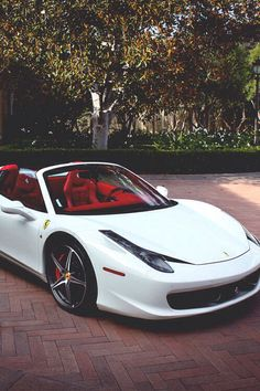 White convertible Ferrari 458 Italia❤️❤️❤️ red interior, dream car, sports car, luxury car, convertible❤️