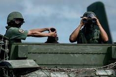 <p>08/02/2016/AVN / LD Este domingo fue capturado el ciudadano José Evaristo Bautista, perteneciente a la banda paramilitar Los Ubareños, en el sector La Ceiba del municipio Bolívar, estado Táchira. El procedimiento fue realizado por una comisión del Ejército Bolivariano, que…</p>