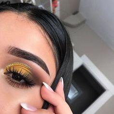 Imagem de makeup, eyebrows, and girl