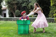 Mario-Themed Engagement Photos | http://whengeekswed.com/blog/2013/07/29/two-fun-mario-engagement-shoots-from-fandi-es/