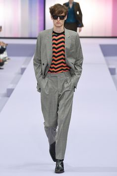See the complete Paul Smith Spring 2018 Ready-to-Wear  collection.