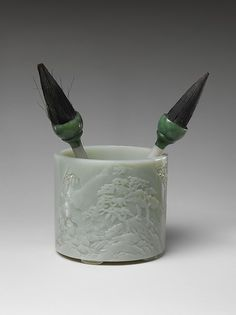 Poet Li Bai Brush Holder with Two Brushes - Qing Dynasty