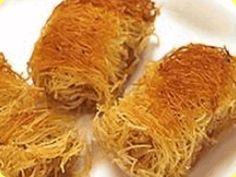 Il Kataifi è un tipo di spaghetto molto fine usato per preparare dolci e pasticcini.    È stato inventato dagli Ottomani. I fili sono intrecciati tra di loro in modo irregolare e vengono bagnati con sciroppo di zucchero.    Si può trovare dai Balcani al Levante in diverse cucine: turca, greca, albanese e leventina.