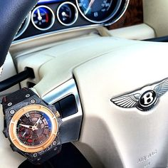"""""""Bentley GTC x @LindeWerdelin SpidoLite Tech Gold! The case is made from Rose Gold and Carbon Fiber! Photo by @supercarfocusdotcom"""""""