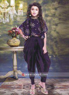 Indian Dresses For Kids, Indian Fashion Dresses, Gowns For Girls, Frocks For Girls, Dresses Kids Girl, Kids Indian Wear, Baby Dresses, Indian Ethnic Wear, Kids Party Wear Dresses